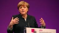 Merkel bei der Tagung des Beamtenbundes in Köln