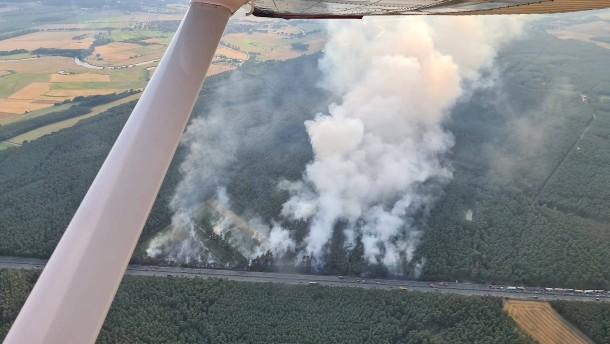 A7 nach Waldbrand gesperrt