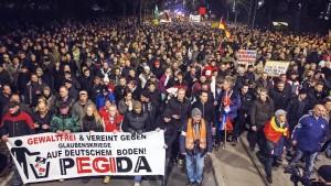 Opposition kritisiert Demonstrationsverbot
