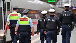 Mehr als 200.000 Masken-Verstöße im Bahnverkehr 2020 geahndet