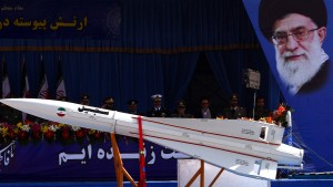 Irans Hardliner wollen Trump auf die Probe stellen