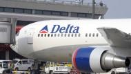 Die amerikanische Fluglinie Delta bezahlt gute Preise für die Sitzplätze ihrer Crew-Mitglieder.