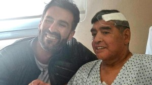 Maradonas Leibarzt bestreitet Vorwurf der fahrlässigen Tötung unter Tränen