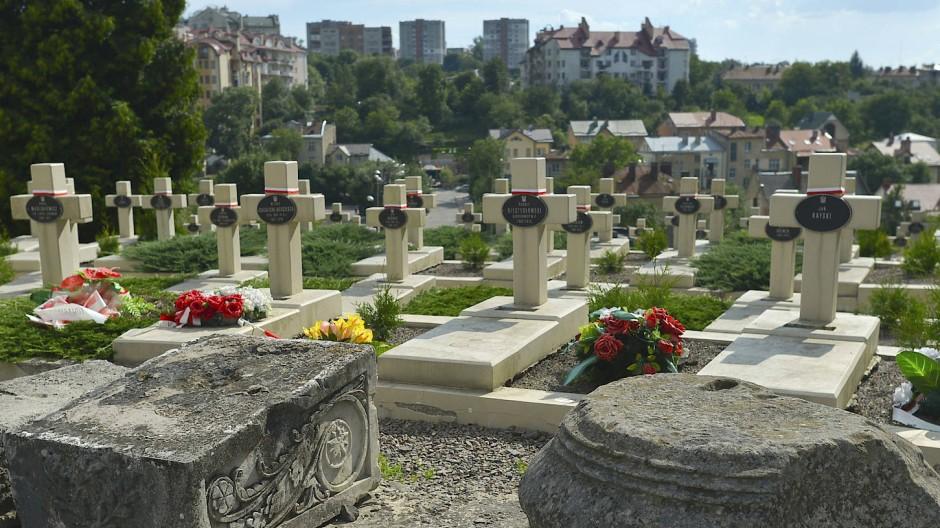 Hundert Jahre alte Kriegsgräber in Lviv, heute Ukraine