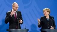 Merkel bremst bei Aufhebung der Russland-Sanktionen