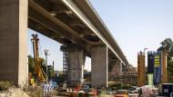 Die marode Salzbachtalbrücke soll bis zum Jahr 2026 abgebaut und neu errichtet sein.
