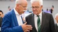 Lange galt Winfried Kretschmann (r.) als der einzige Spitzenpolitiker der Grünen ohne Scheu vor Gesprächen mit Wirtschaftsvertretern, hier 2018 mit Dieter Zetsche.