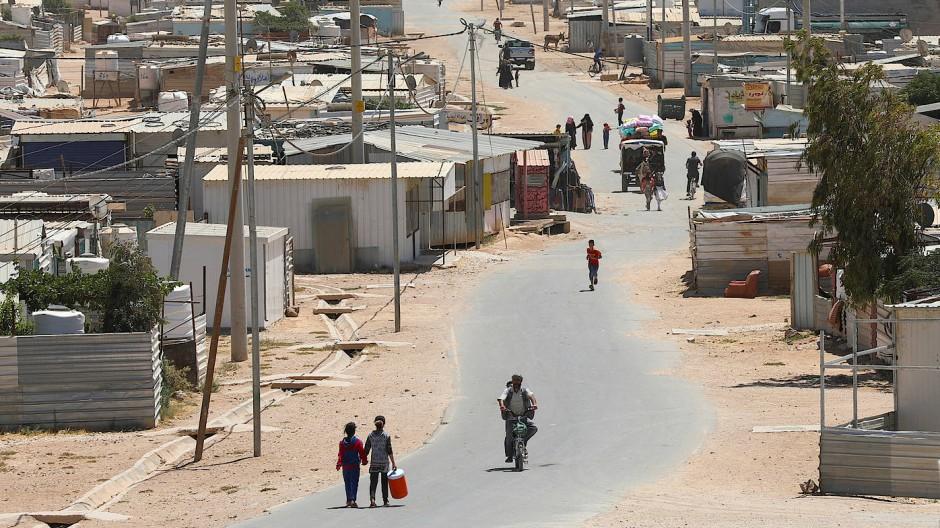 Kein Weg zurück: Syrische Flüchtlinge am 17. Juni in der jordanischen Stadt Mafraq nahe der Grenze zu ihrem Heimatland