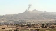 Tote bei Luftangriff nahe eines Flüchtlingslagers