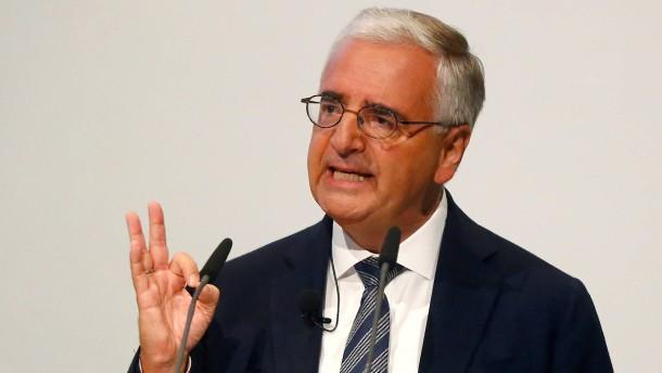Deutsche-Bank-Chefaufseher gegen neue Strategie für Investmentbanker