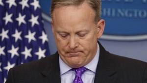 Russland-Ermittler verhören Sean Spicer