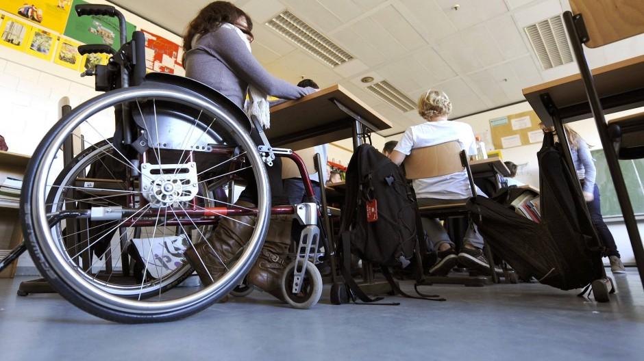 Teilhabe verwehrt? Behinderte Schüler brauchen auch beim Unterricht von zu Hause Unterstützung.