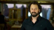 Schreinermeister Raphael Pozsgai präsentiert seine Arbeiten aus Holz jedes Jahr bei den Passagen in Köln, dem Begleitprogramm der Möbelmesse IMM Cologne.