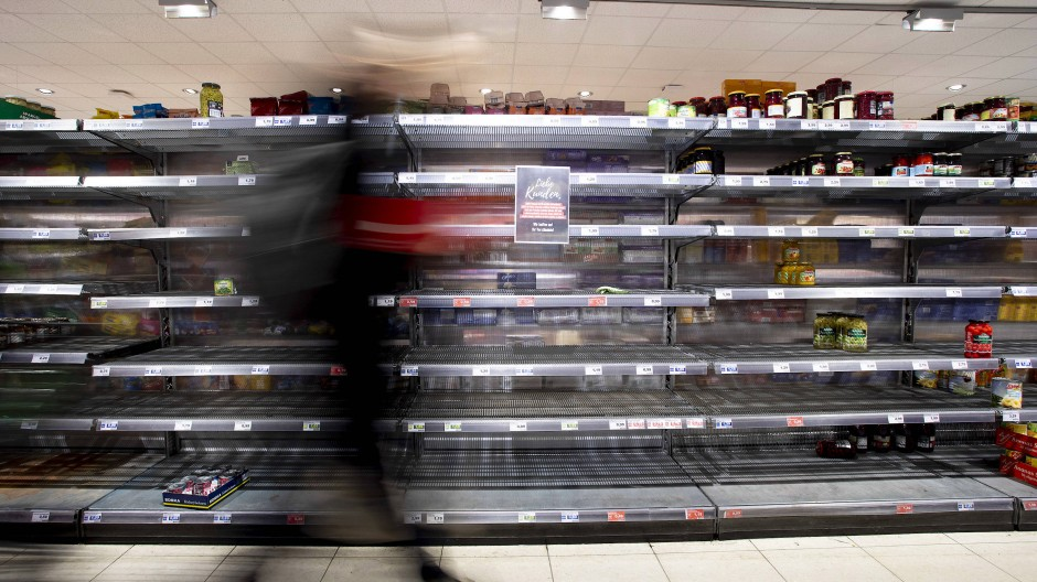 Wie hier sieht es in britischen Supermarktregalen nicht aus. Dennoch: Lieferengpässe sorgen für deutliche Lücken.