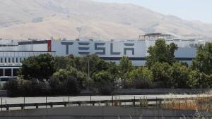 Früherer Mitarbeiter verklagt Tesla nach Sabotage-Vorwürfen