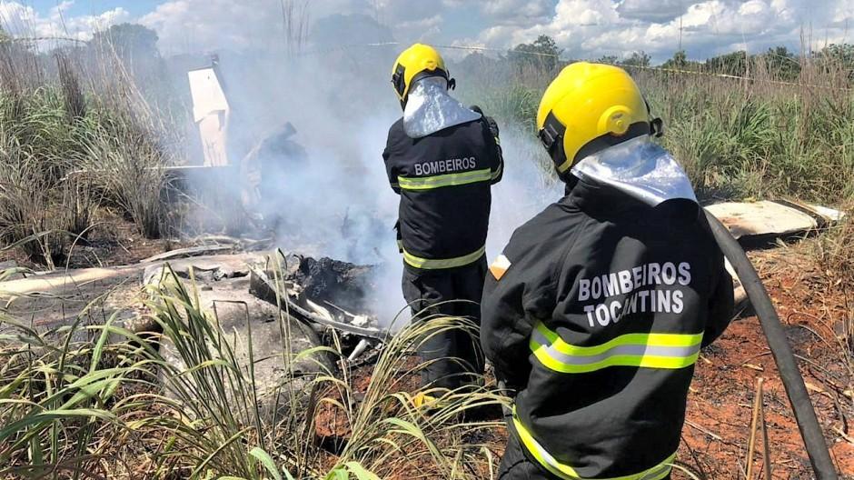 Rettungskräfte am Unglücksort in Brasilien