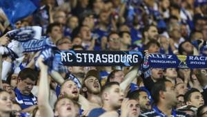 Straßburgs Fußballer nach Anschlag in Sondertrikots