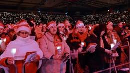 Weihnachtslieder im Fußballstadion