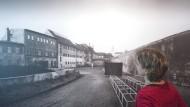 """""""Außenkontakte erheblich eingeschränkt"""": Eine Fotografie des Innenhofes des ehemaligen Geschlossenen Jugendwerkhofes Torgau  in der heutigen Gedenkstätte Sachsens"""