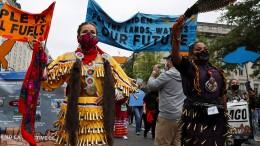 Native Americans demonstrieren für Klimaschutz