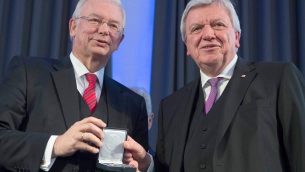 Koch und Bouffier uneins über künftigen CDU-Chef