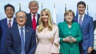 Hinter ihr der Vater, neben ihr der Vorgänger? Ivanka Trump beim G20-Treffen 2017 in Hamburg.