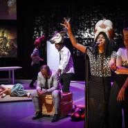 Theater im Mousonturm: Eine Gruppe Schauspieler, die an nichts weniger glauben als daran, mit und im Theater Zukunft gestalten zu können.