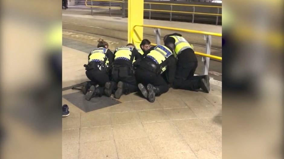 Drei Verletzte bei Messerattacke in Manchester