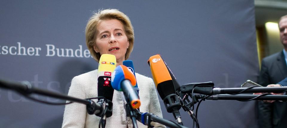 """""""Ich bin für die Mitarbeiterinnen und Mitarbeiter des Ministeriums zuständig"""": Verteidigungsministerin Ursula von der Leyen (CDU)"""
