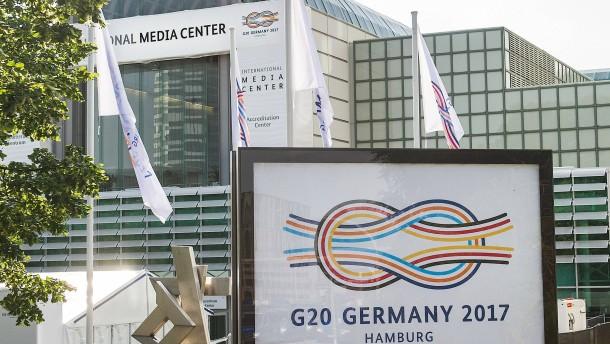 """""""Reichsbürger"""" und Linksextreme unter ausgesperrten Journalisten"""