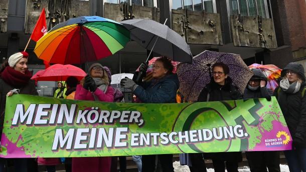 Bundesweite Proteste gegen Paragraf 219a