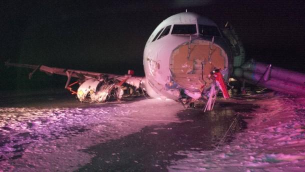 Mehr als 20 Verletzte bei Bruchlandung von Airbus