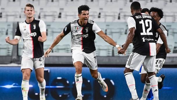 Wieder Ronaldo – Juve feiert die vorzeitige Meisterschaft