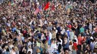 15.000 demonstrieren für ein offenes Finnland