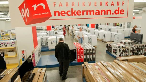 Neckermann-Mitarbeiter hoffen auf neuen Investor