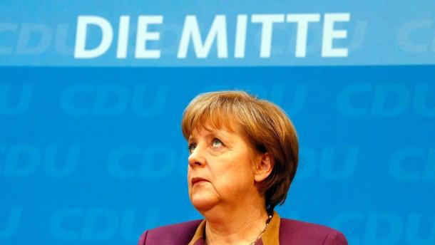 Merkel beugt sich Forderungen nach größeren Euro-Krisenfonds