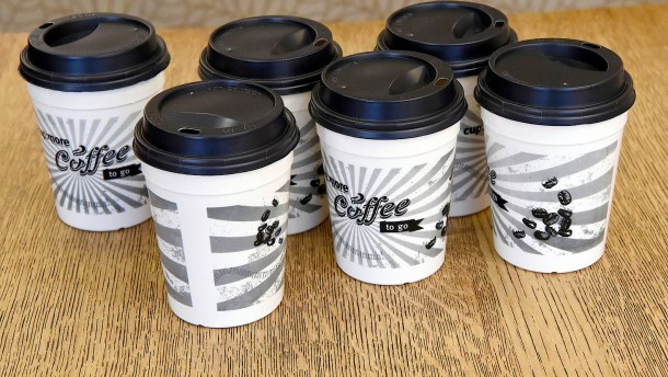 So viel sollen Kaffeebecher künftig kosten