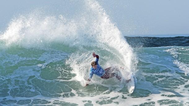 Surfer im moralischen Dilemma