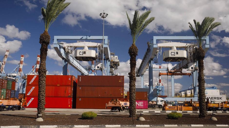 Container am Hafen von Haifa