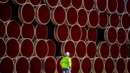 Rohre für Erdöl aus Russland (Symbolbild)