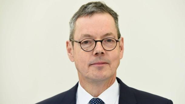 Wirtschaftsweiser Bofinger pocht auf Hartz-IV-Sanktionen
