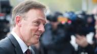 """""""Wo der freie Markt versagt, muss der Staat versuchen, für Gerechtigkeit zu sorgen"""", sagte SPD-Fraktionsgeschäftsführer Oppermann"""