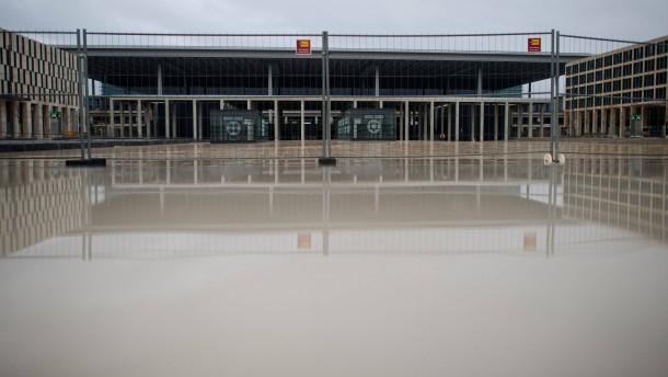 Kritik an Berliner Flughafen