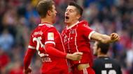 Die Torschützen zum 1:0 und 3:0: Thomas Müller und Robert Lewandowski.