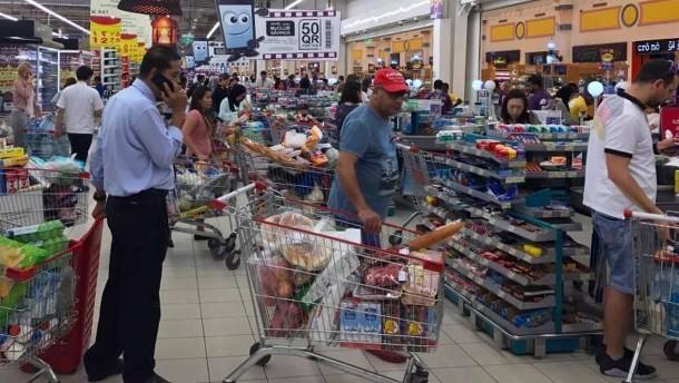 Qatar bekommt Folgen des Boykotts seiner Nachbarn zu spüren