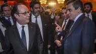Fillon beschuldigt Hollande der Verschwörung