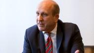 Am Start: Dirk Pollert, Hauptgeschäftsführer von Hessenmetall und VhU