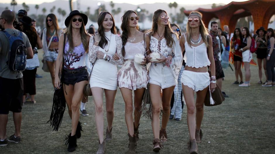 Auf dem Coachella Festival in Kalifornien versammelt sich jedes Jahr das Whoiswho der Mode- und Bloggerszene.