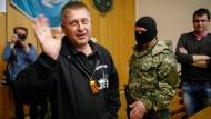 Prorussische Separatisten halten Militärbeobachter weiter fest