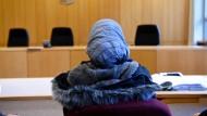 Gerichte können Flut von Asylverfahren offenbar nicht bewältigen